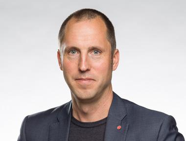 Erik Pelling